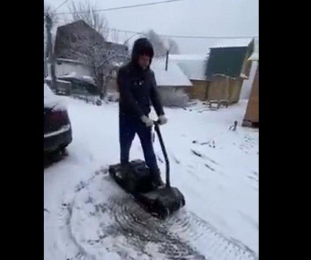 Смешной фейл с самодельным снегоходом