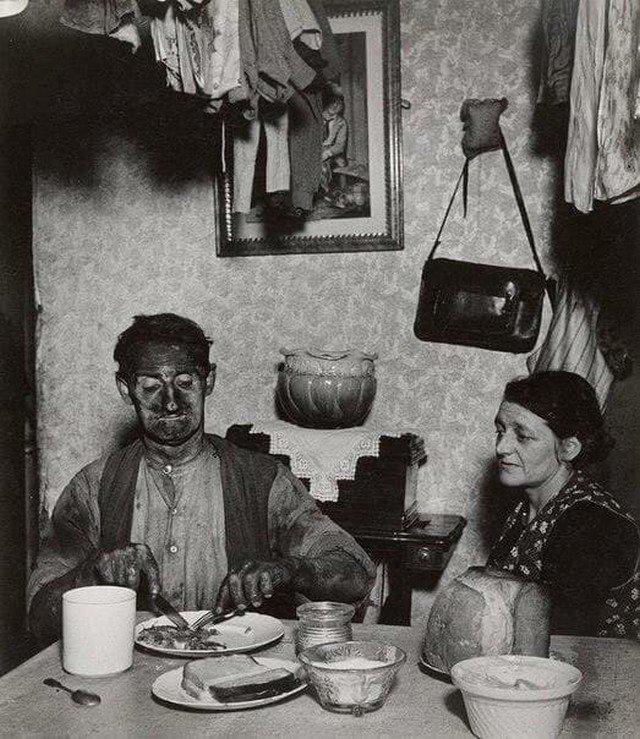 Ужин шахтера в Нортумбрии, 1937 год.
