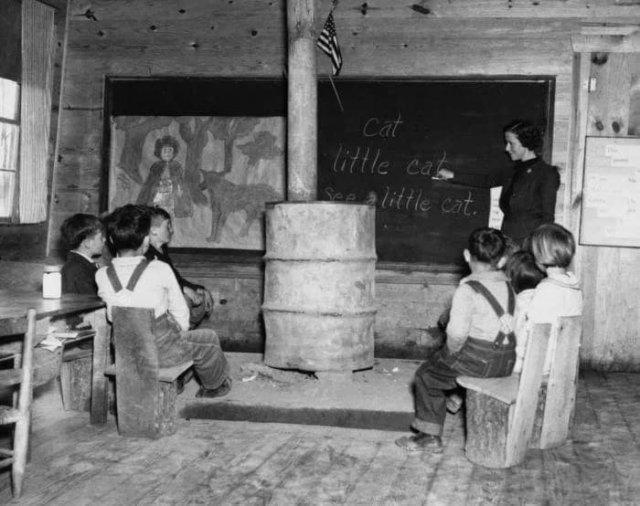 Одноклассная школа во время Великой депрессии. 1937 год.
