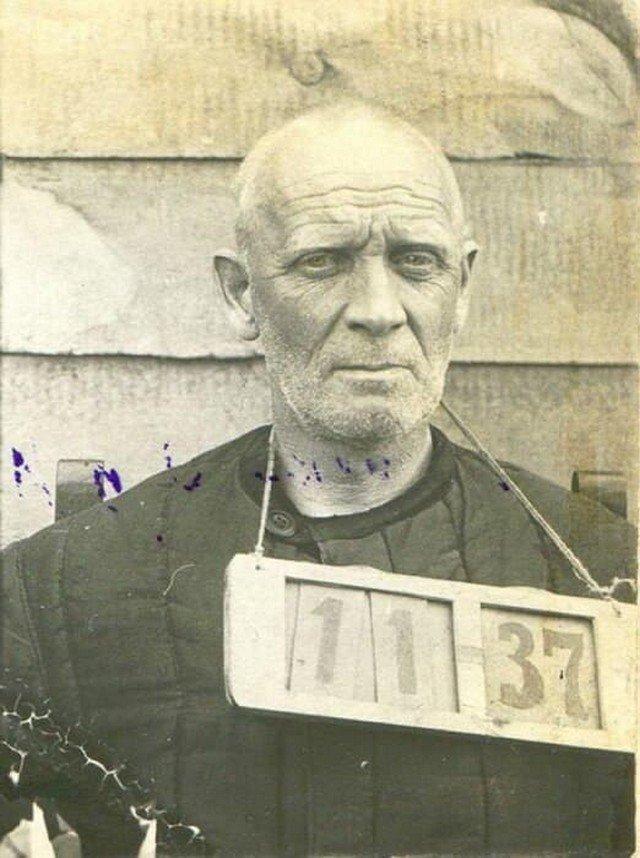 Князь Михаил Долгоруков пeред расстрелом. 1937 г.
