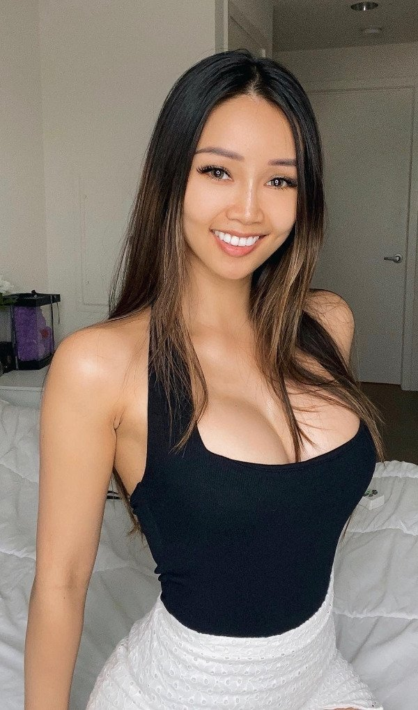 Девушки с красивыми улыбками