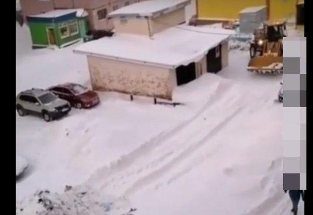 """Как """"убирают"""" мусор в Норильске"""