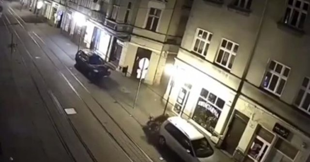 "Настоящий ""профи"" на мотоцикле - три аварии за короткое время под шикарную озвучку"
