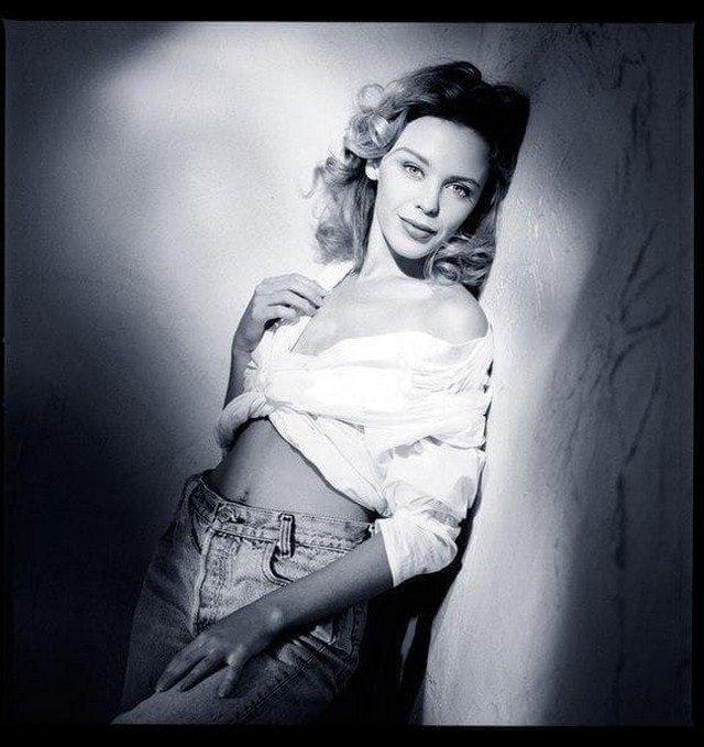 Кайли Миноуг, 1989 год.