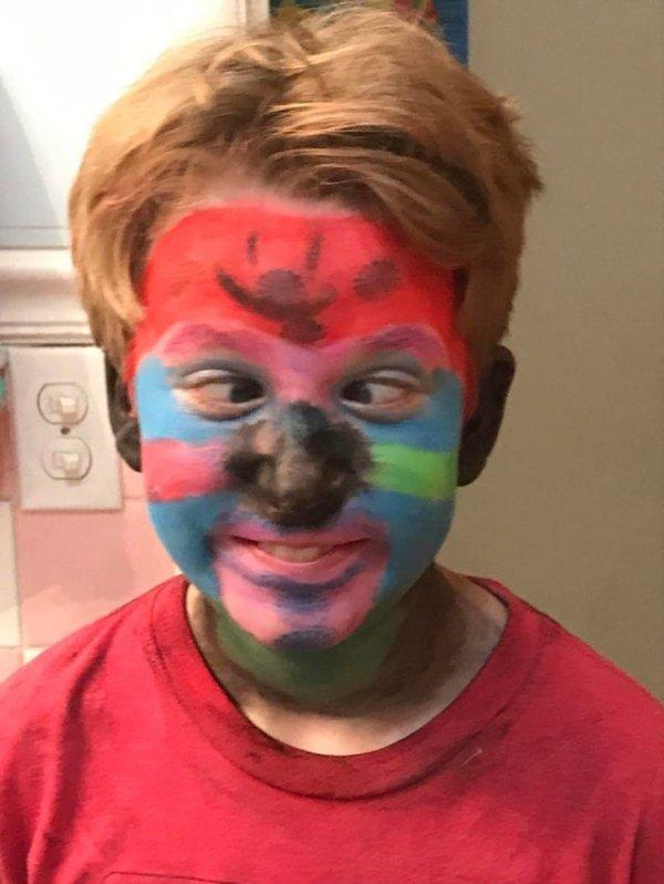 Что будет, если оставить 11-летнего ребёнка и карандаши для лица