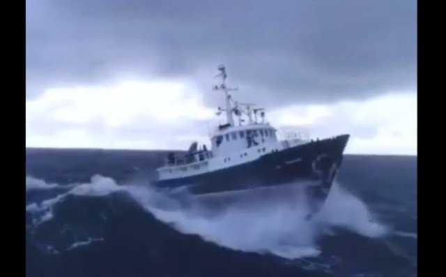 Красивые кадры: качка в Южном море