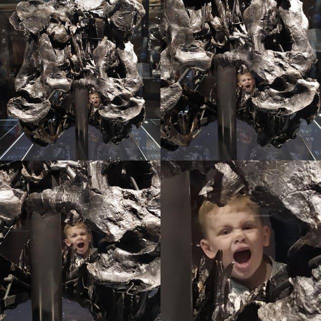 Парень добавил эмоций в чей-то кадр