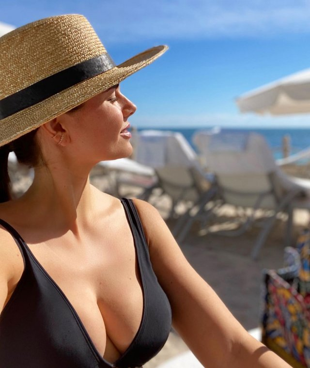 Дочь Игоря Крутого - Виктория на пляже
