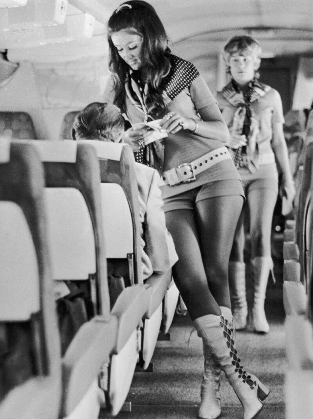 Стюардессы XX века
