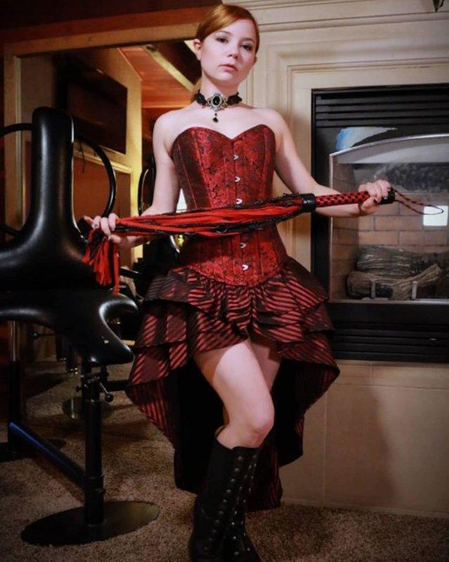 Элис Литтл - самая дорогая проститутка США в красном платье