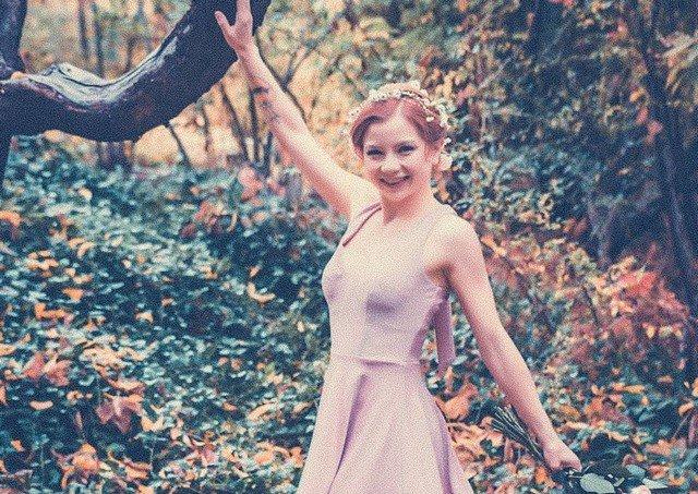 Элис Литтл - самая дорогая проститутка США в розовом платье