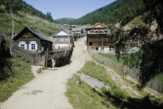 Деревня на берегу озера Байкал, 1964