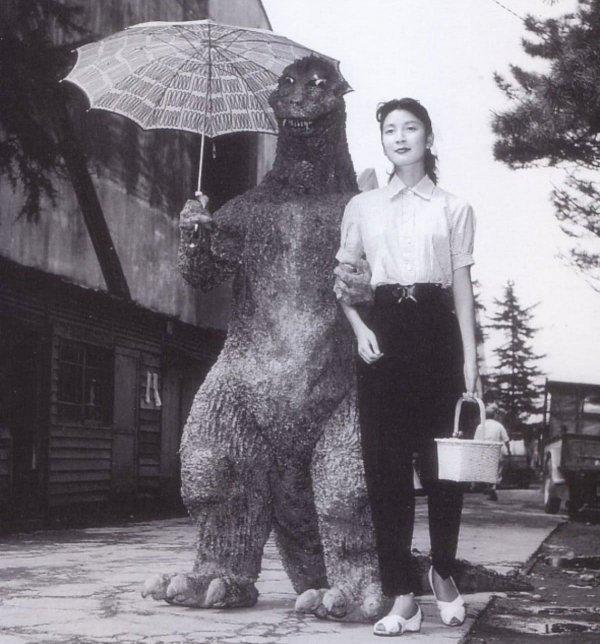 Свидание с Годзиллой, 1954 год