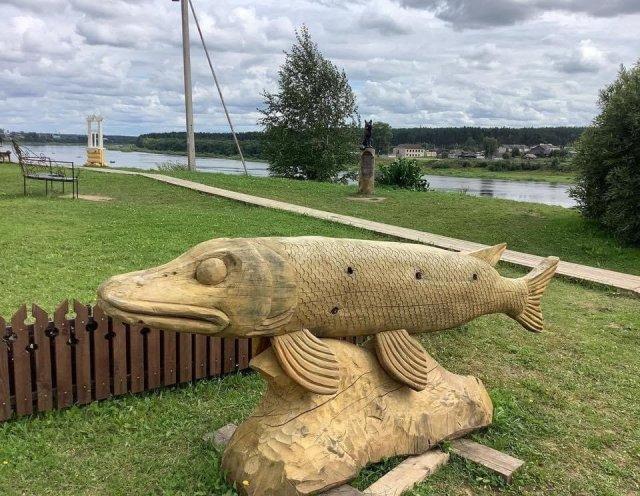 Деревянная скульптура в Тотьме, Вологодская область
