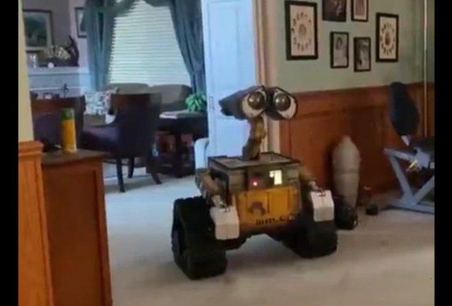 Домашняя копия робота ВАЛЛ-И