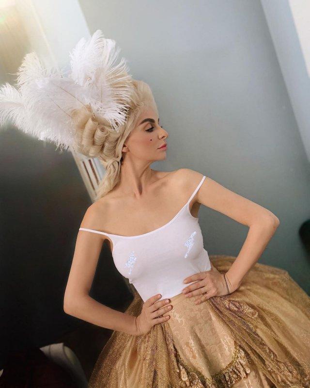 Екатерина Варнава в образе царицы