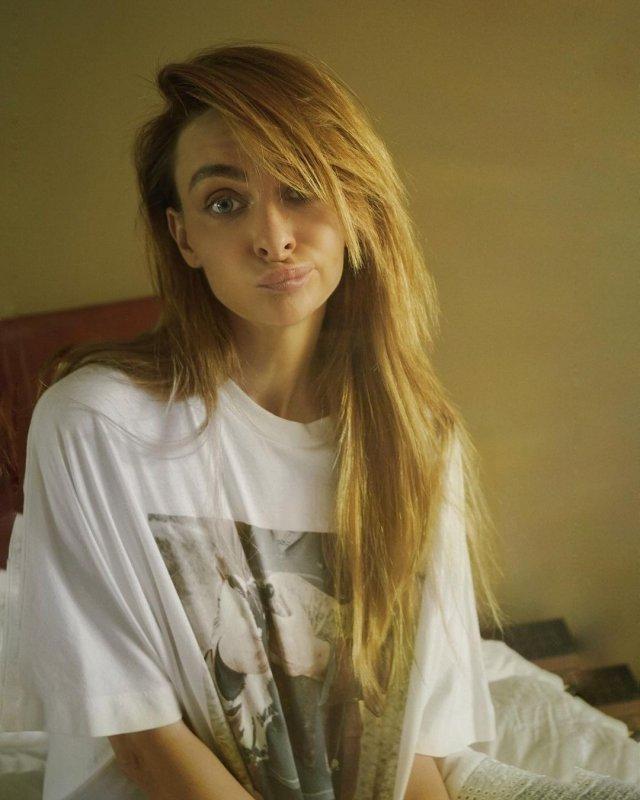 Екатерина Варнава в футболке