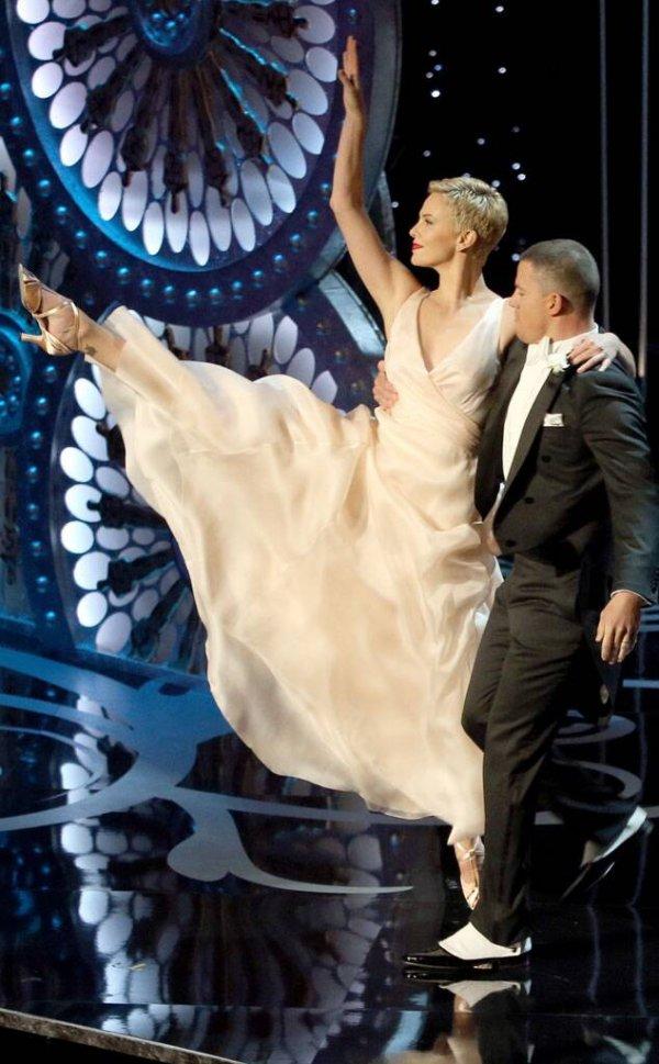 Шарлиз Терон — занималась балетом до 19 лет