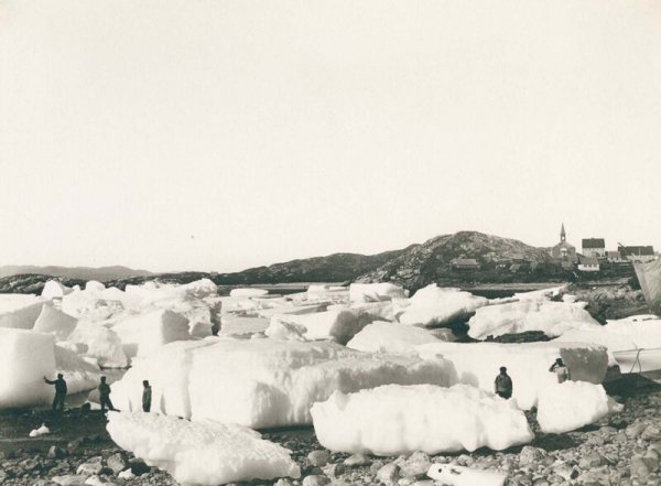 Льдины у города Нуук. 1889 г.