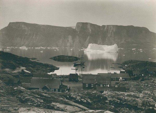 Вид на город Уумманнак с запада. 1889 г.