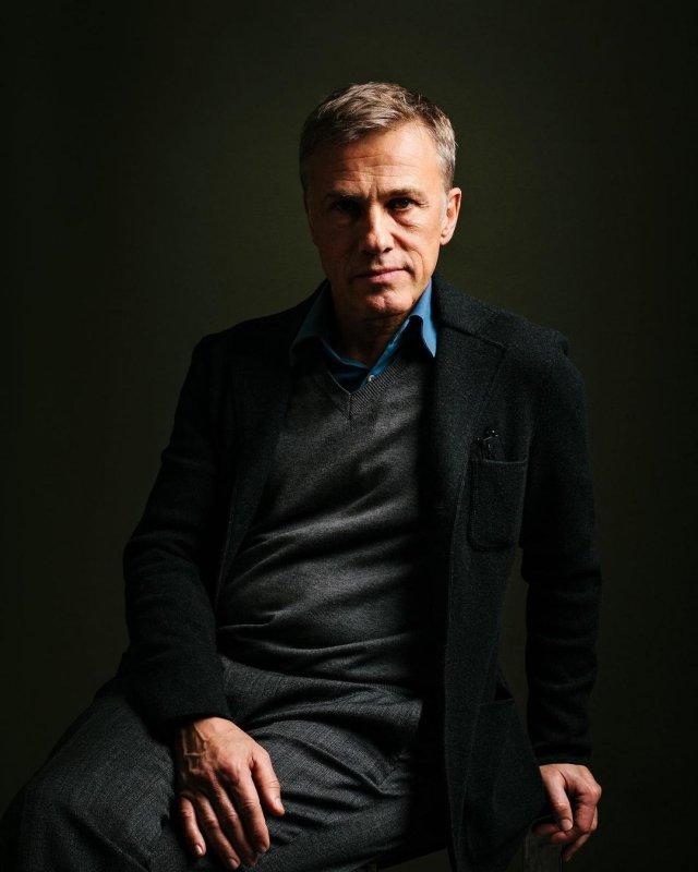 Кристофер Вальц в черном пиджаке и кофте