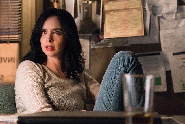 "Кристин Риттер - звезда проекта Marvel ""Джессика Джонс"" в образе"