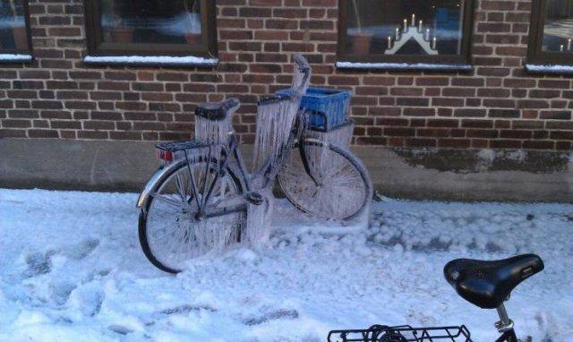Обледеневший велосипед