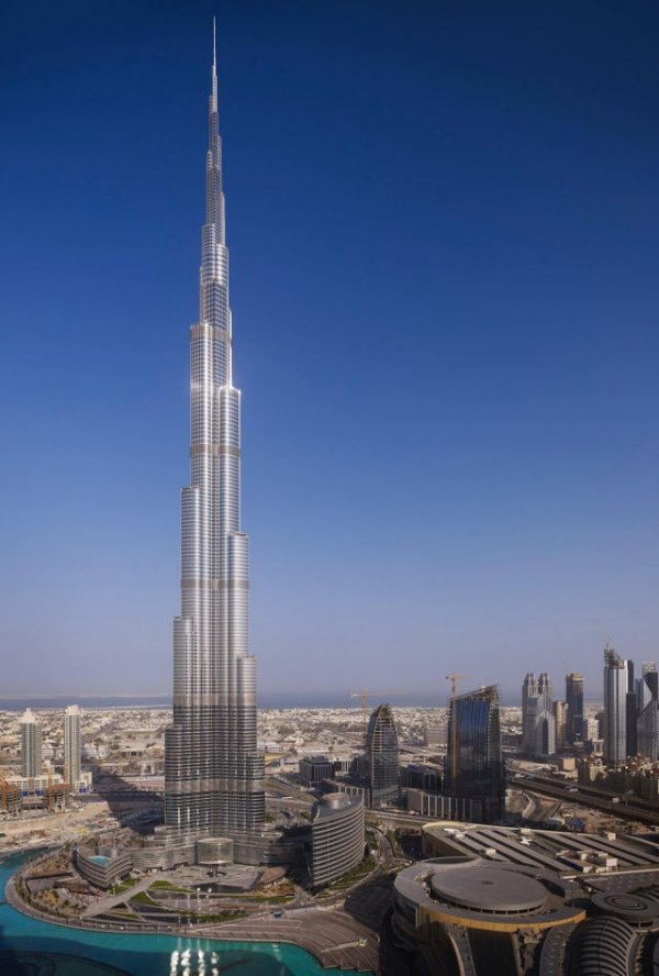 Башня Бурдж-Халифа была построена 10 лет назад