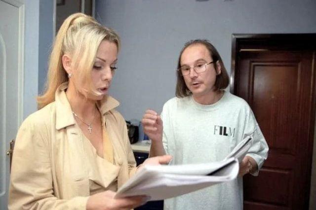 Ирина Салтыкова и Алексей Балабанов на съёмках фильма «Брат 2». Россия, 2000 год.