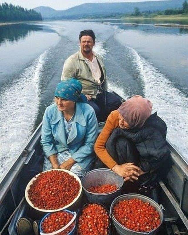 Жители старообрядческой деревни Луговая