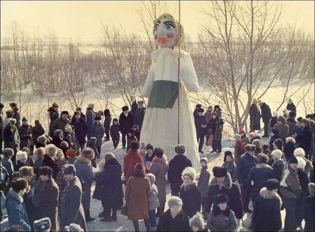 Проводы русской зимы. Ишим, Тюменская область, 1991 год.