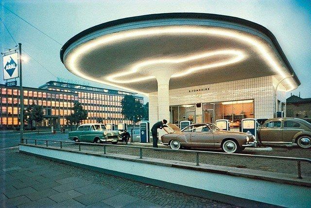 АЗС в Германии, 1958 год.