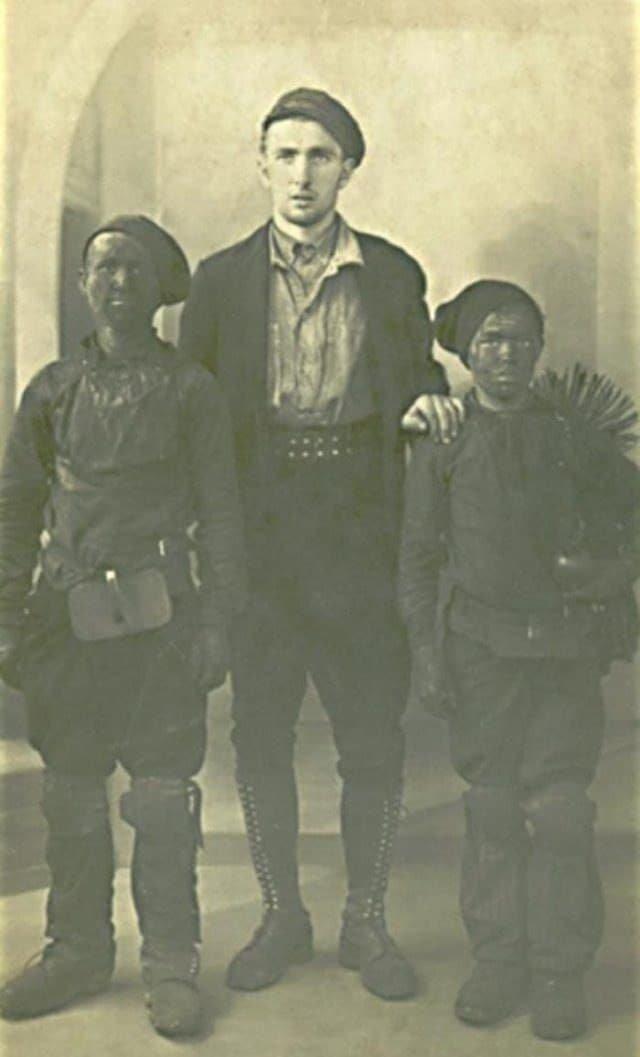Трубочист с учениками, 1936 год, Франция