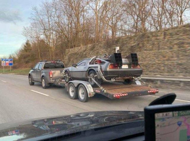 Машина из Назад в будущее