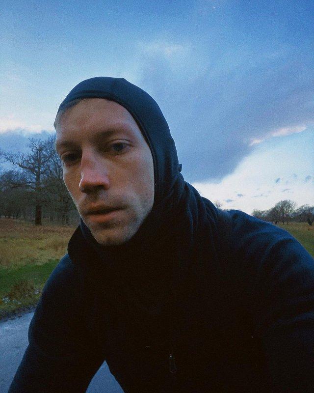 Александр Кузнецов в черной кофте