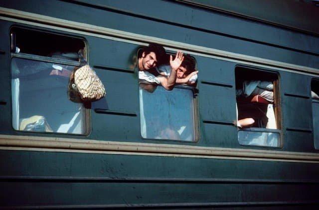 Отдыхающие в пути, Сочинский вокзал, лето 1961 год