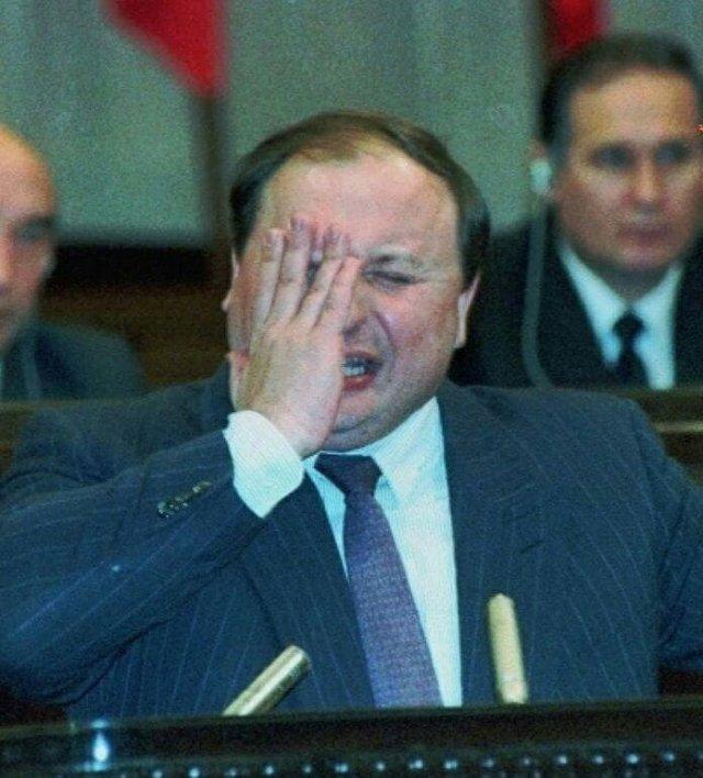Егор Гайдар делает доклад об экономическом положении России, Москва, 1993 год