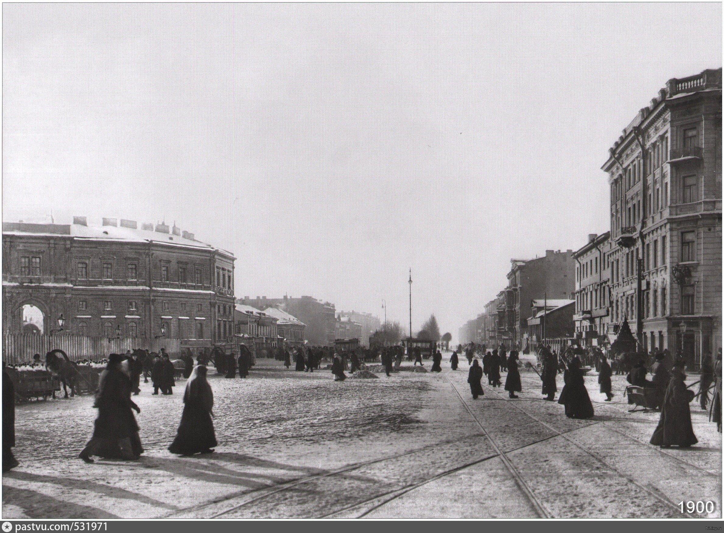 Невский проспект. Знаменская площадь