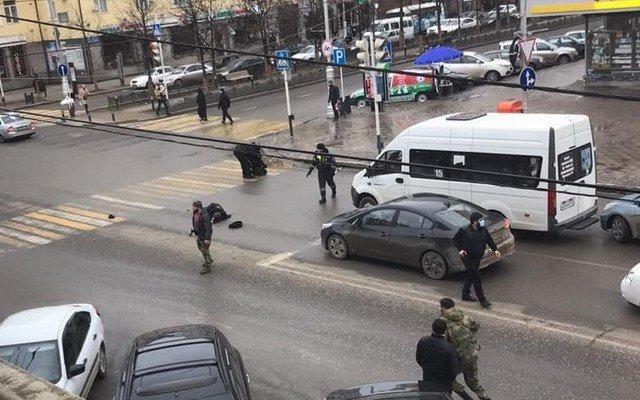 В центре Грозного стрельба на улице Мира