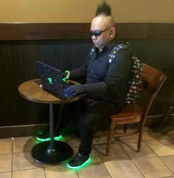 Типичный фанат Cyberpunk 2077