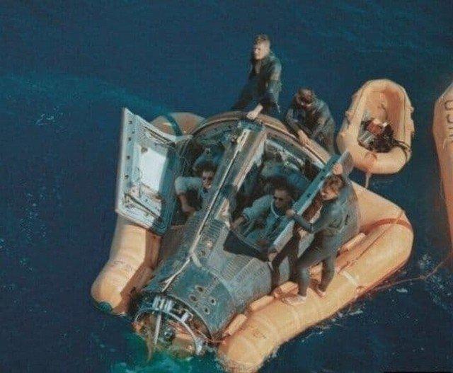 Нил Армстронг и Дэвид Скотт благополучно вернулись на Землю, 17 марта 1966 года.