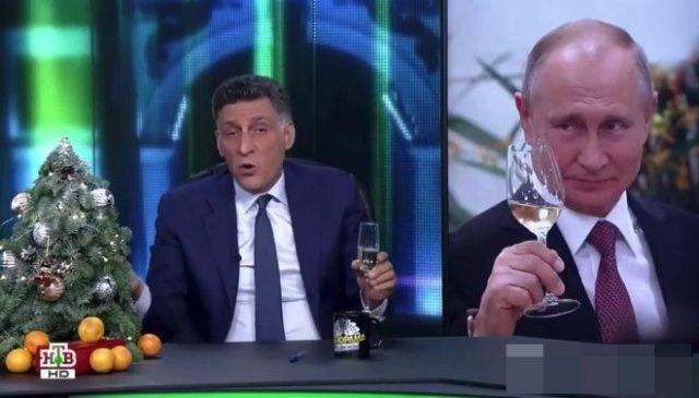 Тигран Кеосаян решил подарить Владимиру Путину дудку