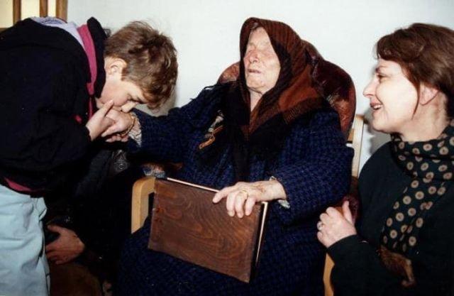 На приеме у предсказательницы Ванги, Болгария, 1990–е.