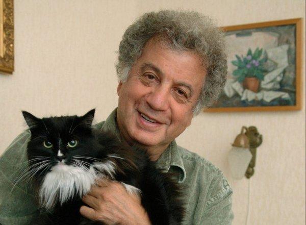 Автор книг для детей и драматург Александр Курляндский, 82 года