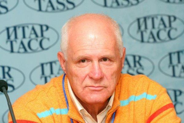 Писатель-сатирик Анатолий Трушкин, 78 лет