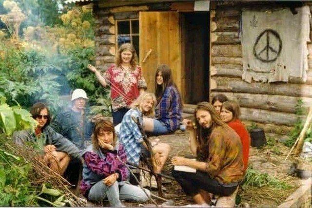 Коммуна хиппи вдали от цивилизации. США. 1970-е.