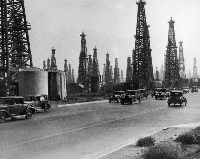 Нефтяные вышки Калифорнии. США, 1930-е