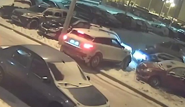 Водитель из Ижевска после празднников протаранил 7 машин