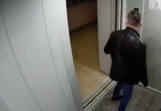 Житель Уфы вступил в неравный бой с лифтом