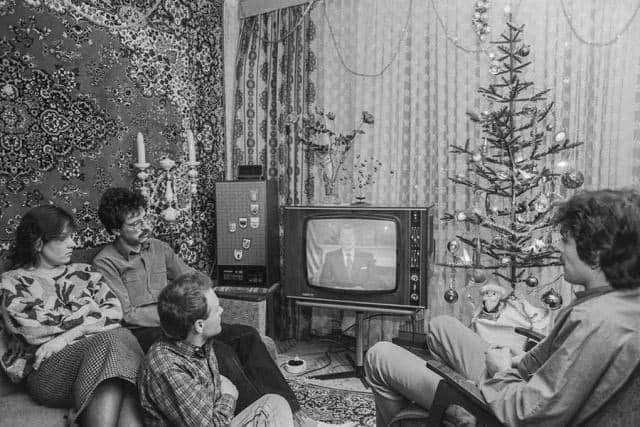 В 1988-м году с Новым годом советских людей на советском телевидении поздравлял президент США Рональд Рейган